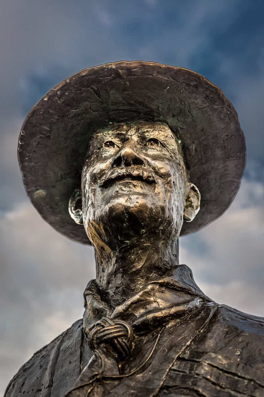 Photograph of the Lord Baden Powell Statue, Poole Quay, Dorset