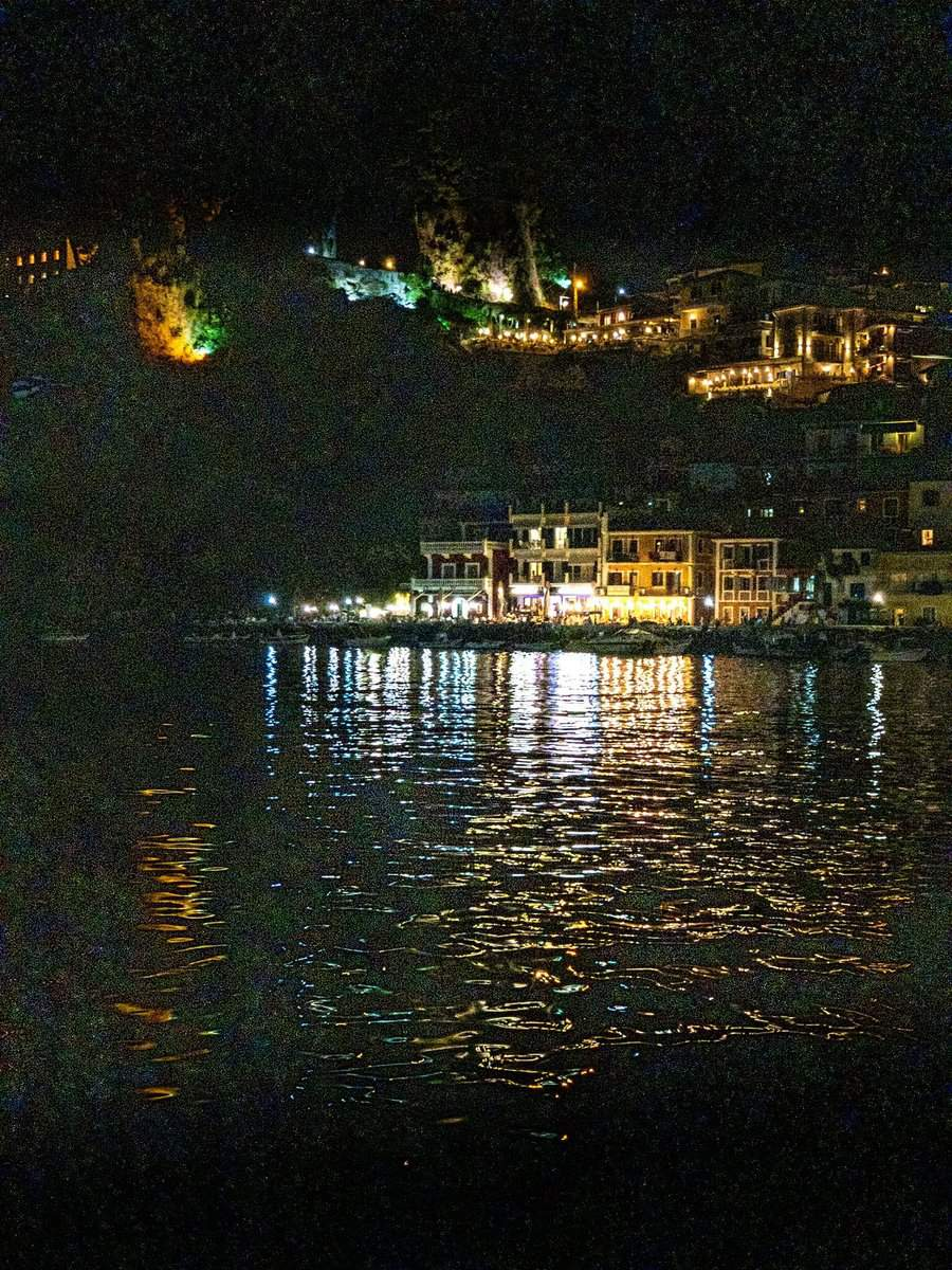 Parga at night - without noise reduction