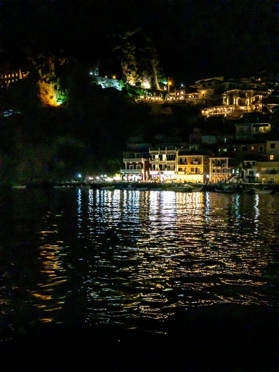 Parga at night - with noise reduction